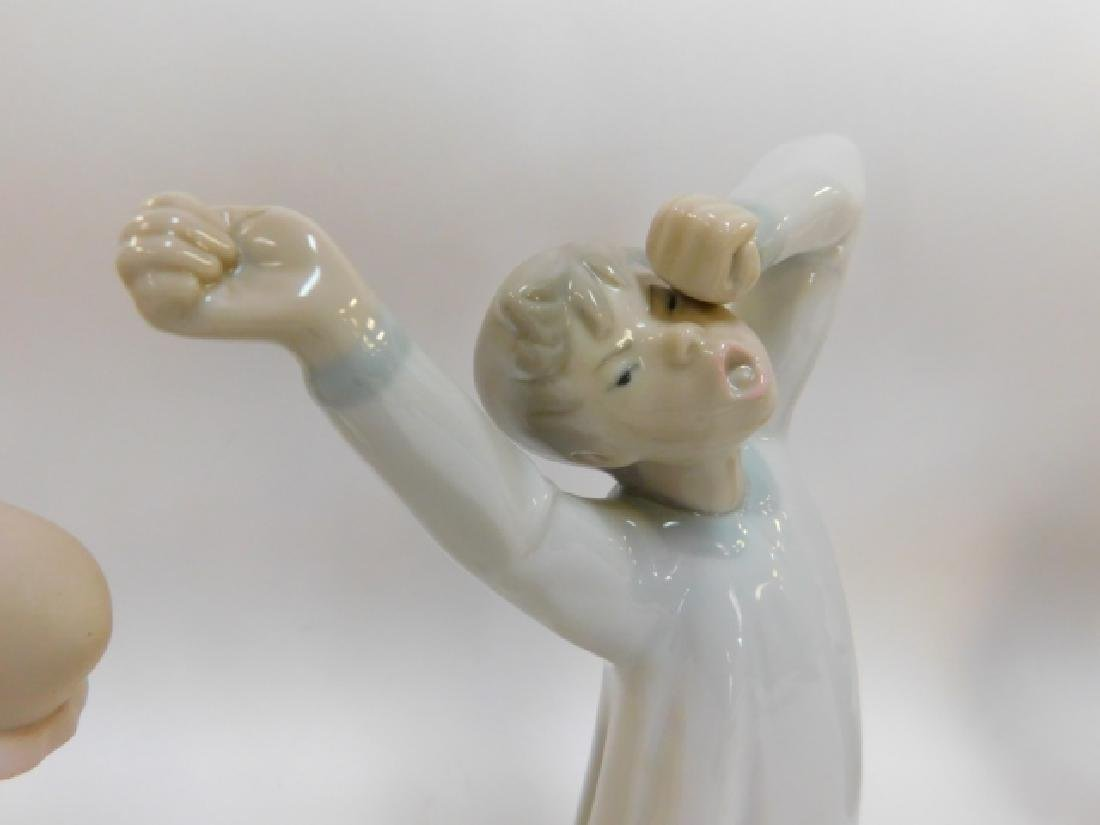 LLADRO, GIRL SHAMPOOING AND BOY YAWNING - 5