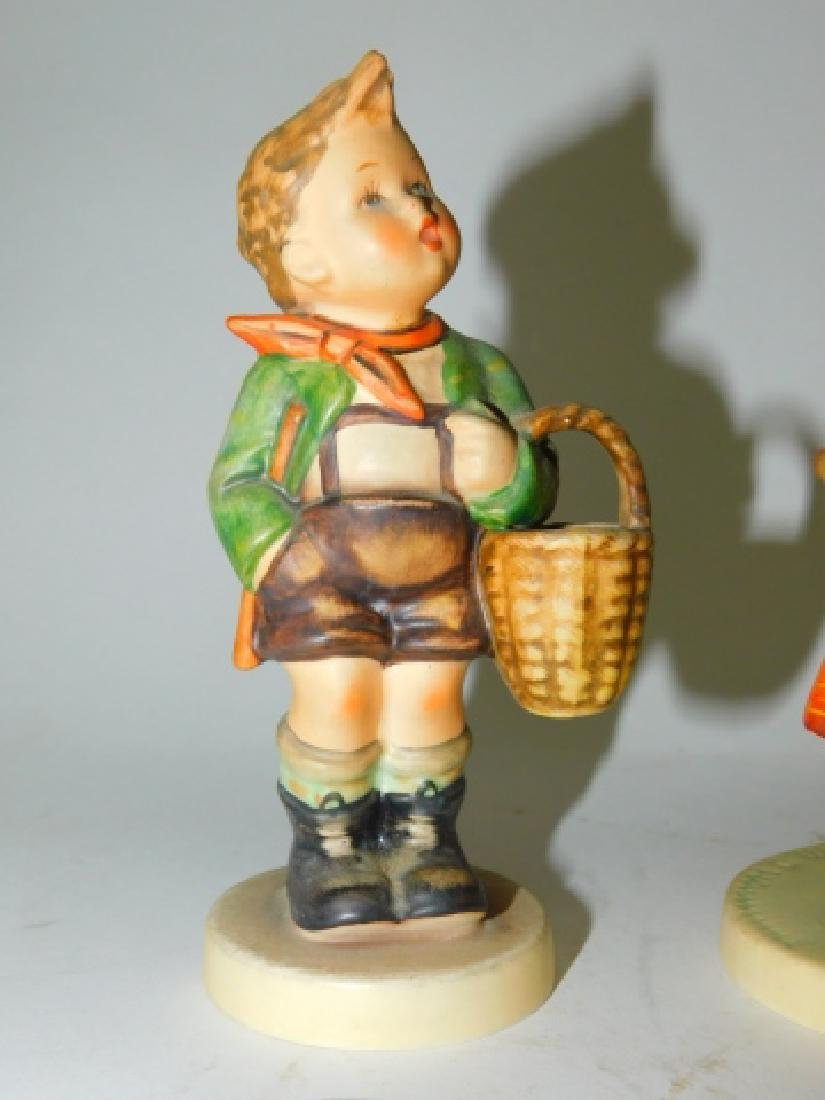 COLLECTION OF 7 HUMMEL FIGURINES - 9