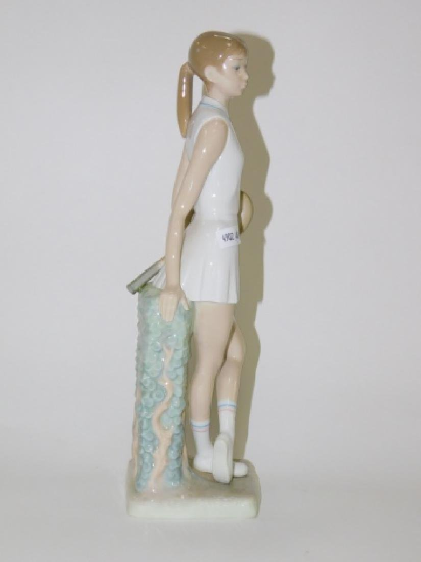LLADRO, GIRL PLAYING TENNIS - 4
