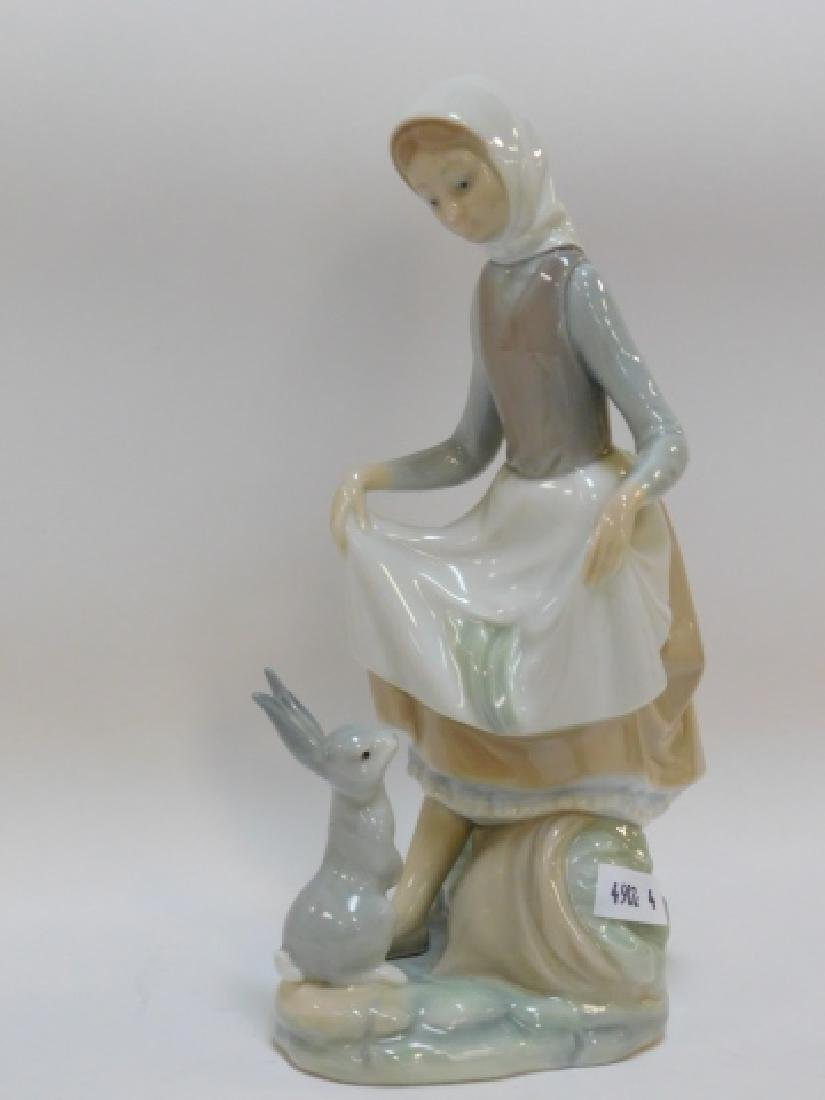 LLADRO, GIRL WITH RABBIT