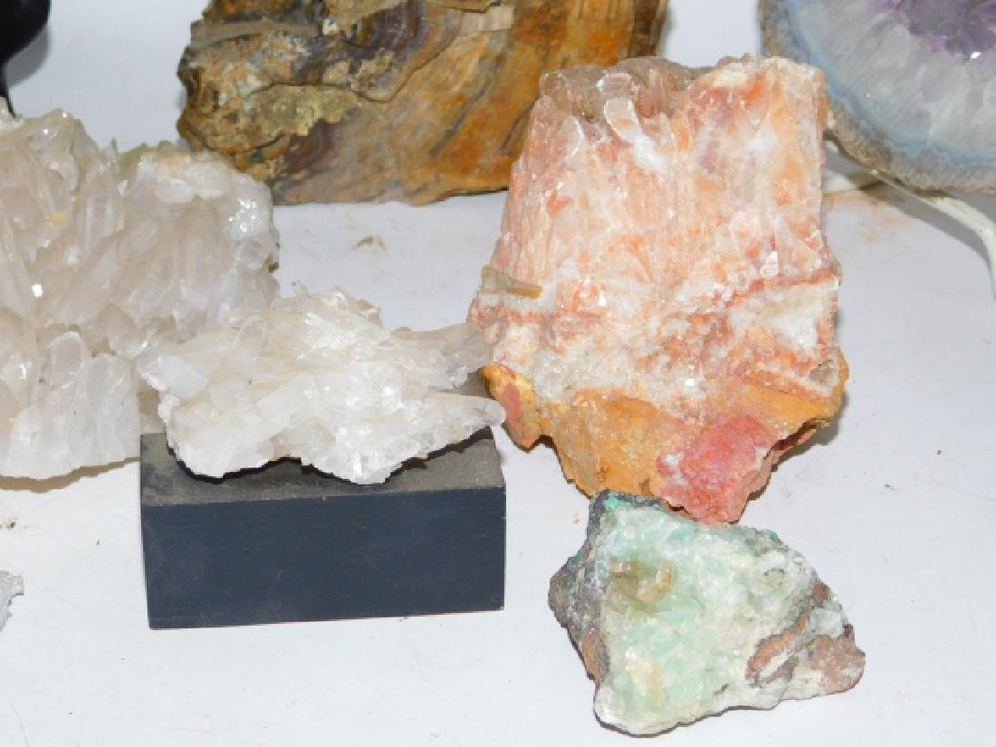 COLLECTION OF CRYSTALS AND GEODES - 9