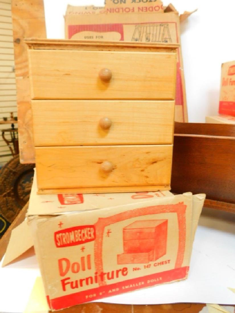 LARGE COLLECTION OF WOODEN DOLL HOUSE FURNITURE - 4