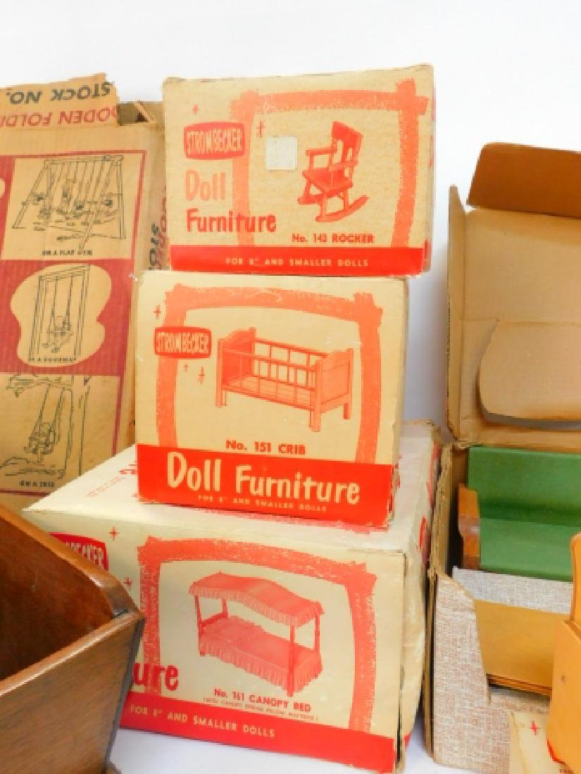 LARGE COLLECTION OF WOODEN DOLL HOUSE FURNITURE - 7