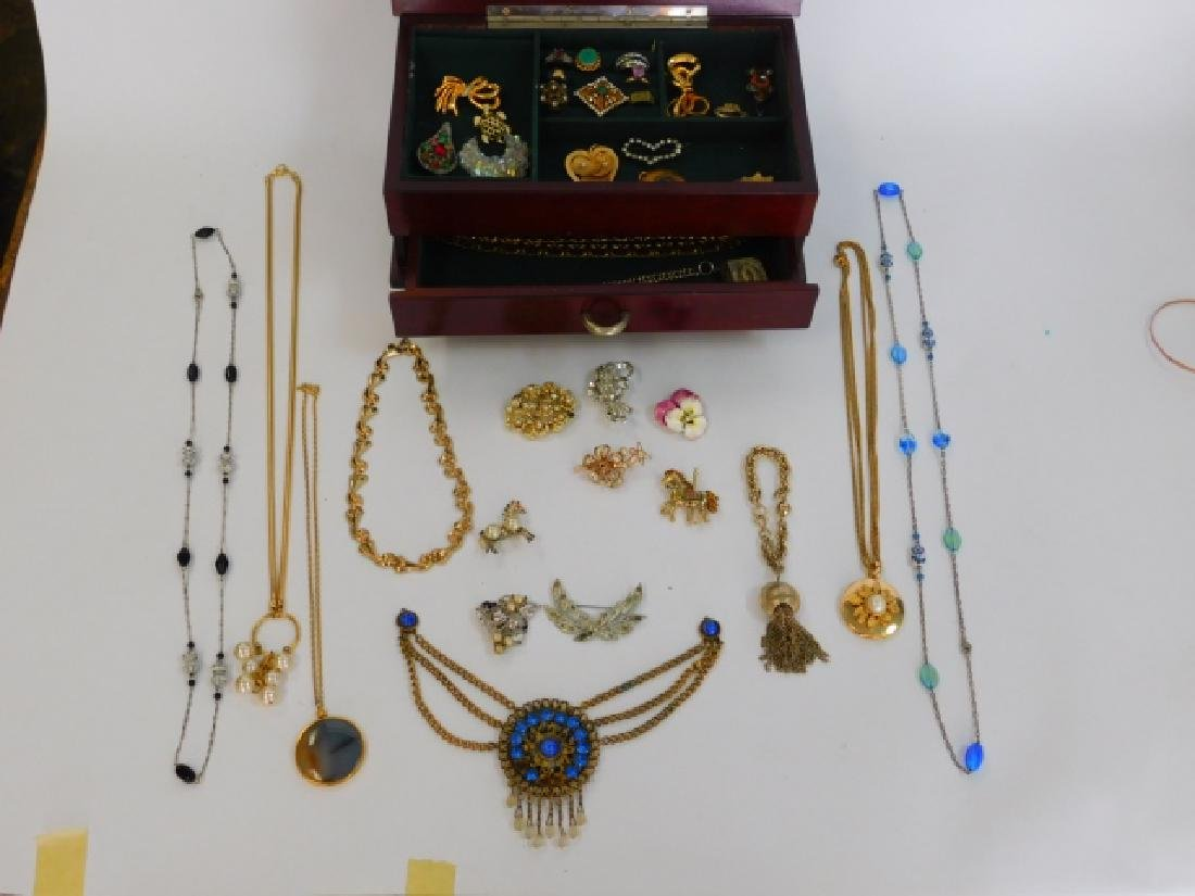 COSTUME JEWELRY WITH WOODEN BOX