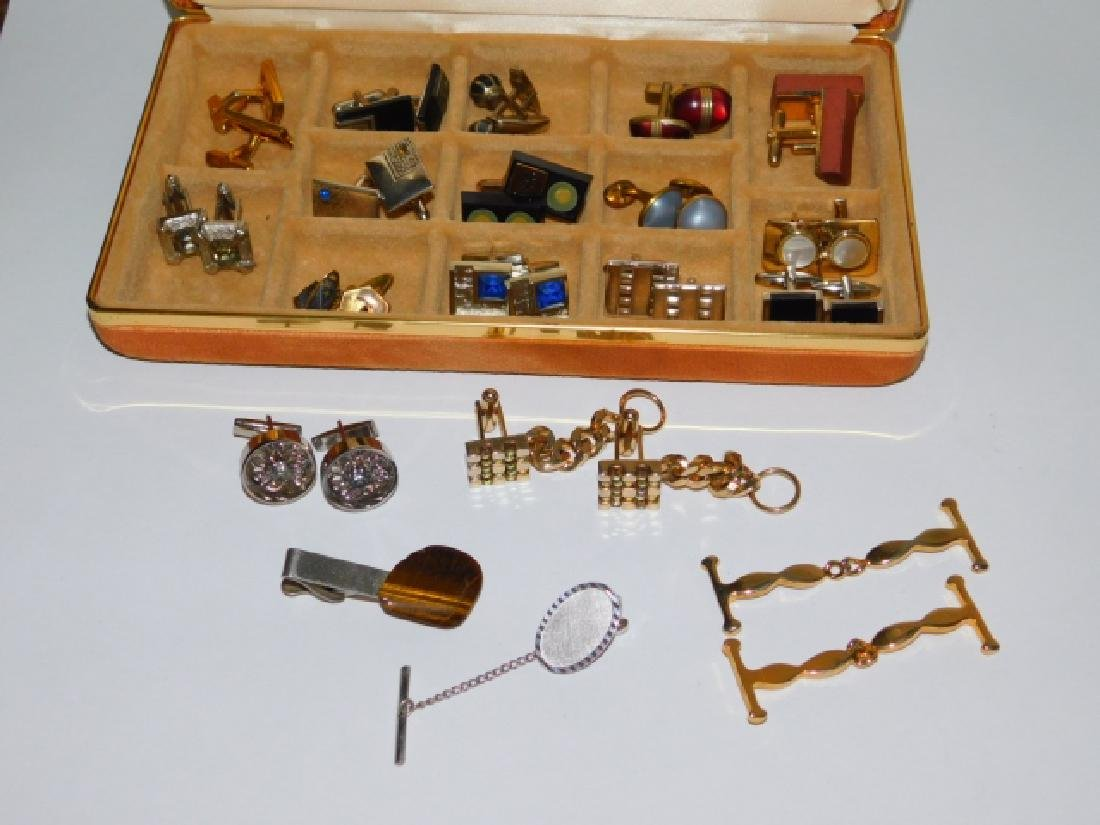 CUFFLINK AND TIE CLIP COLLECTION WITH BOX