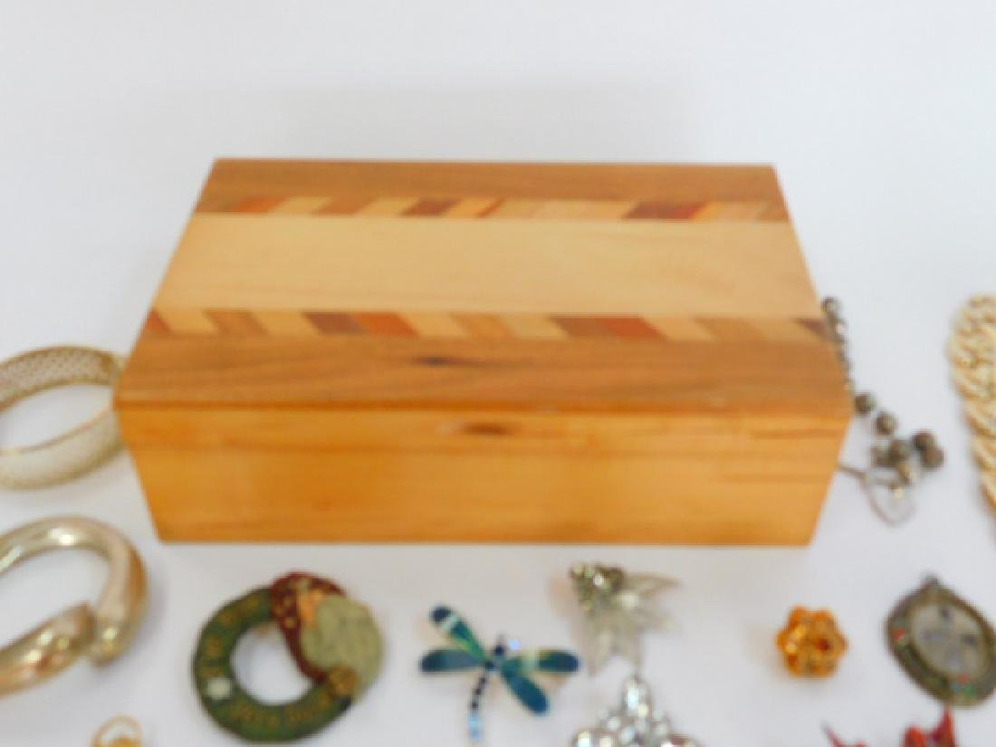 COSTUME JEWELRY WITH WOODEN BOX - 7