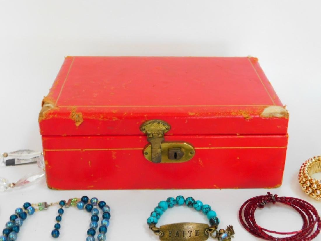 COSTUME JEWELRY WITH BOX - 7