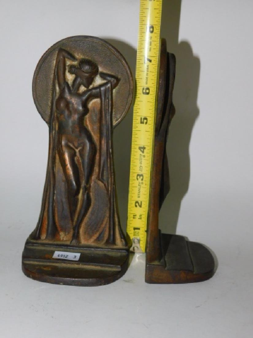 PAIR OF IRON DECO BOOKENDS - 2
