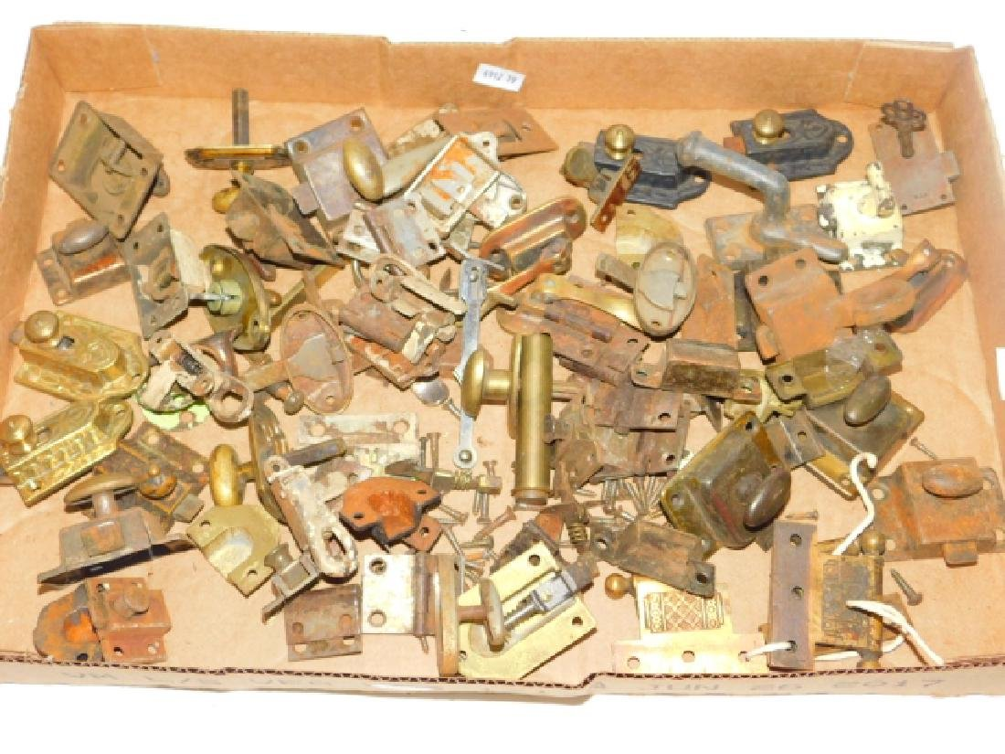 COLLECTION OF CABINET KNOBS, LOCKS, PULLS, ETC