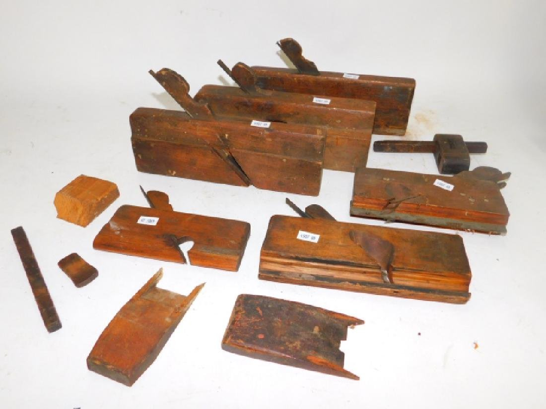 LOT OF WOOD PLANES