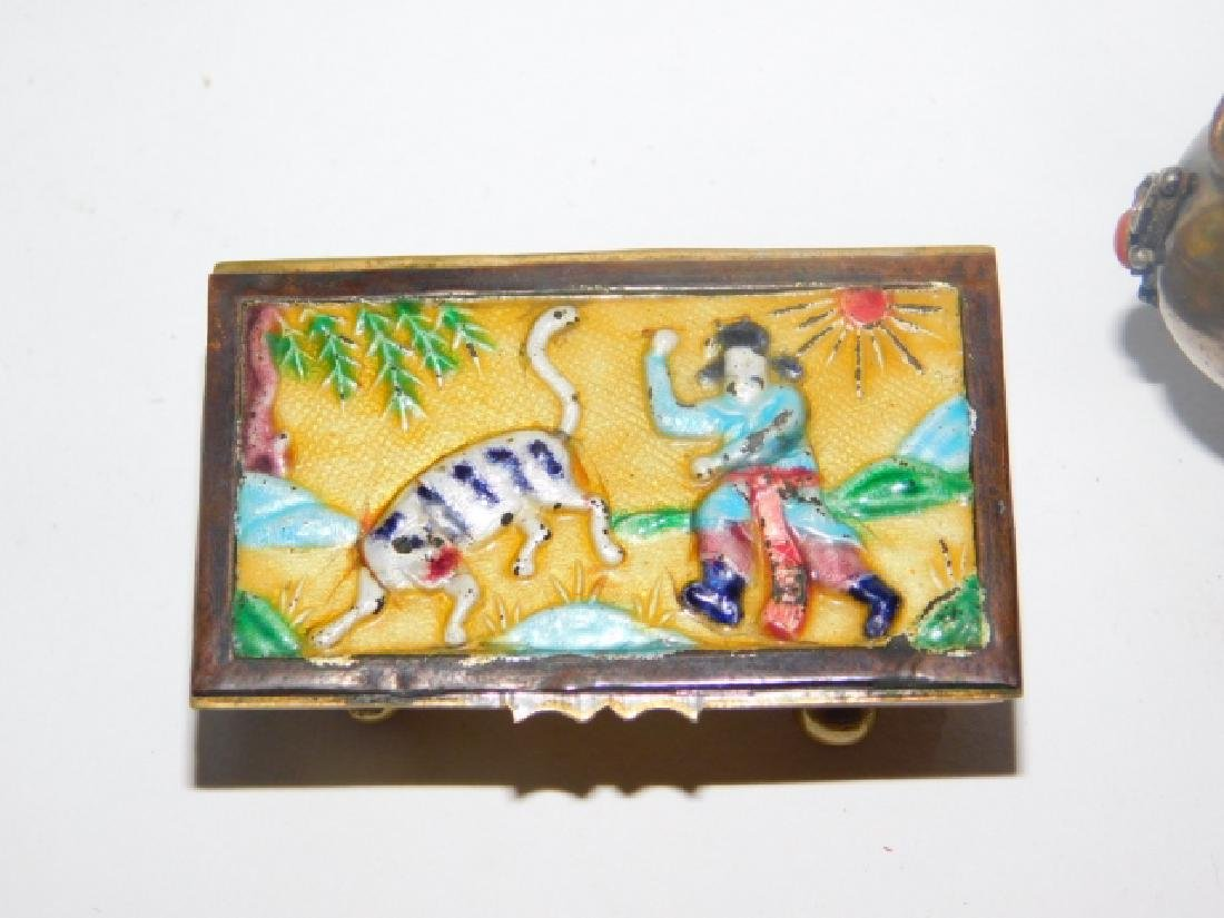 CHINESE SNUFF BOTTLE, TRINKET BOX, AND KNIFE - 3