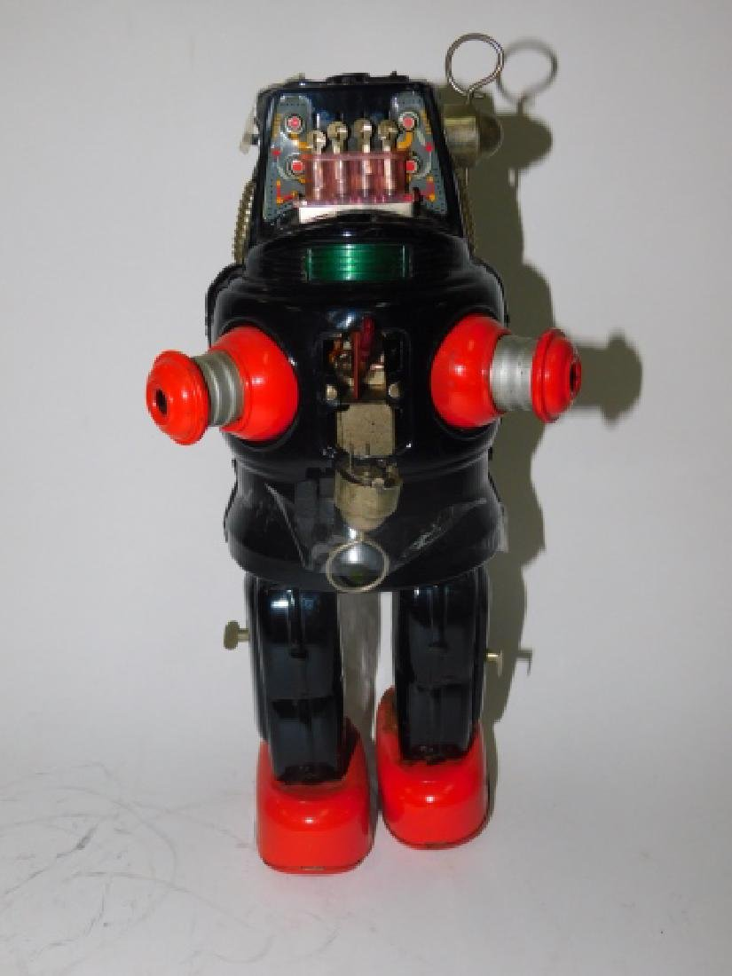 TIN BATTERY OPERATED ROBOT