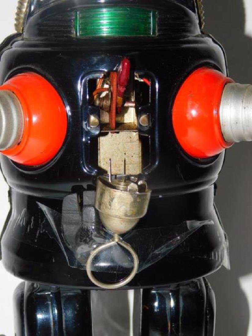 TIN BATTERY OPERATED ROBOT - 2