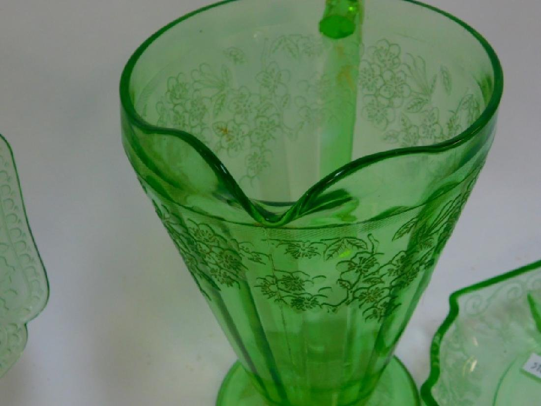 GREEN DEPRESSION GLASS - 3