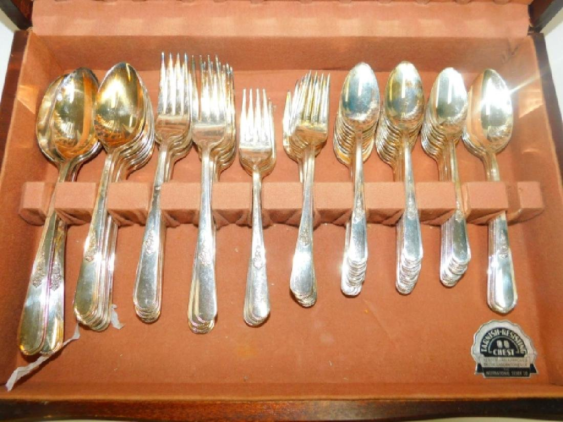 HOLMES AND EDWARDS SILVER PLATE FLATWARE SET