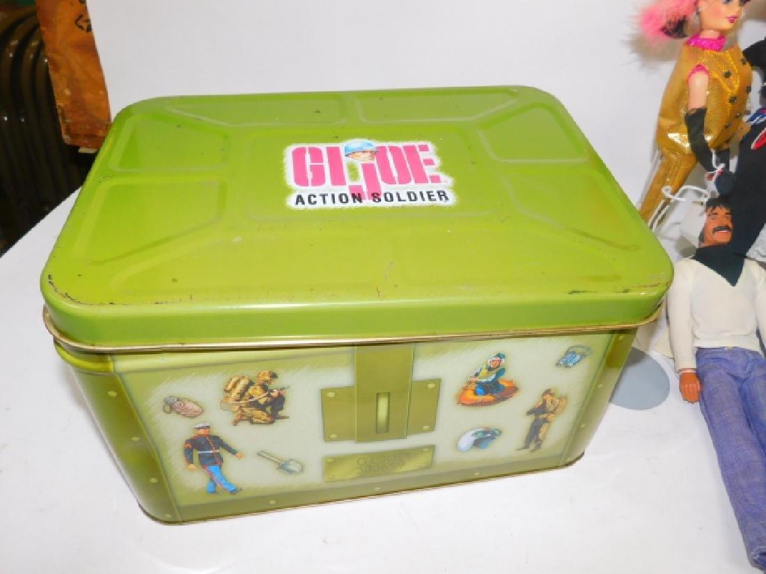 GI JOE TIN BOX WITH BARBIES AND ACCESSORIES - 4