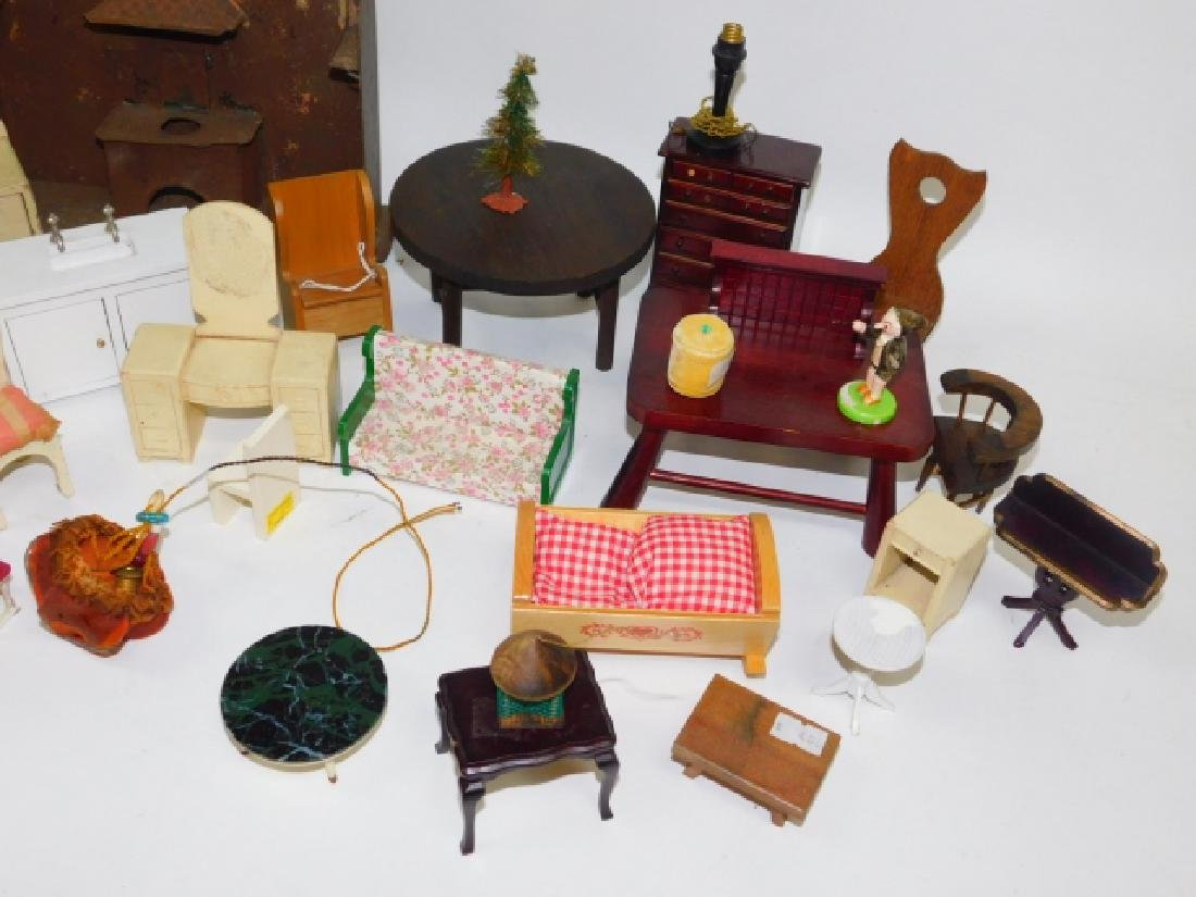 DOLL HOUSE FURNITURE - 2