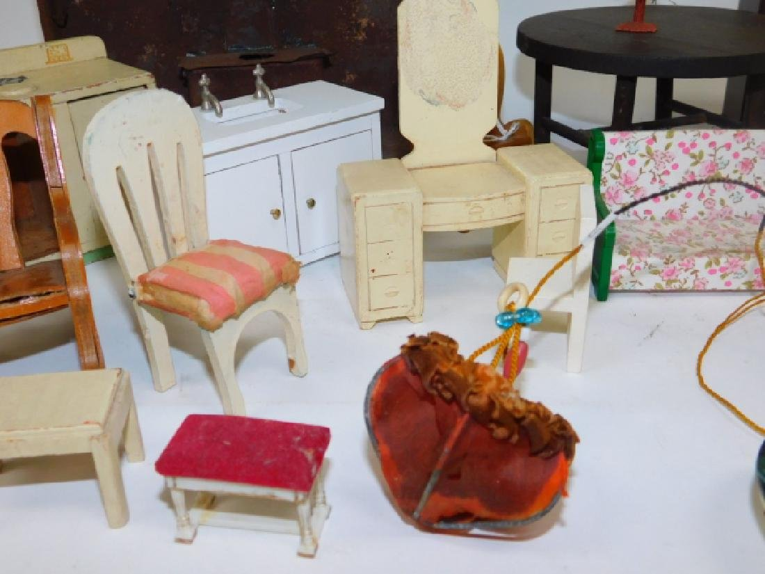 DOLL HOUSE FURNITURE - 4