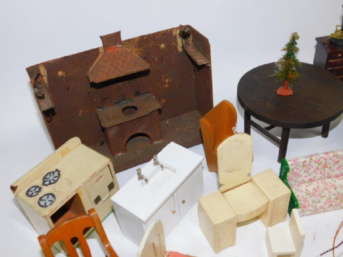DOLL HOUSE FURNITURE - 6