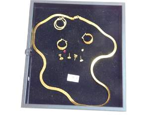 COLLECTION OF EARRINGS AND ITALIAN CHAIN
