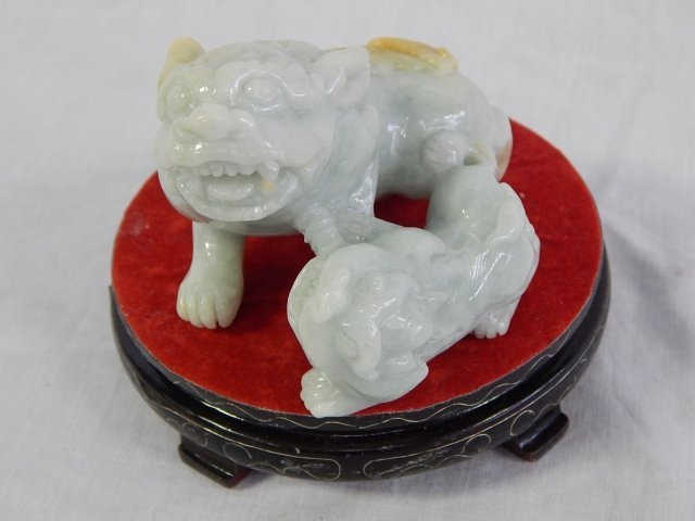 FOO DOGS ON STAND
