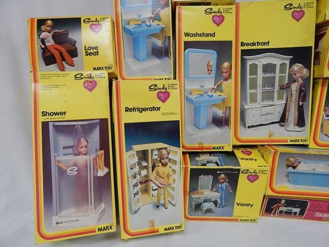 SINDY DOLL HOUSE FURNITURE 15 PIECES - 2