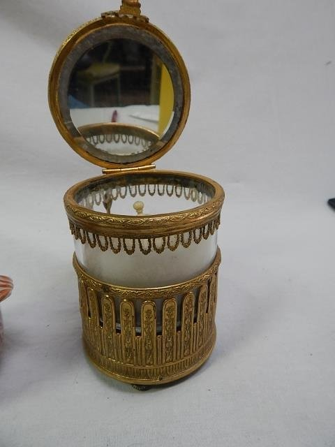 GOLD FINISHED MUSICAL POWDER BOX