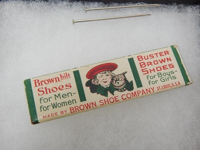 BUSTER BROWN  SHOES ADVERTISING CHEWING GUM