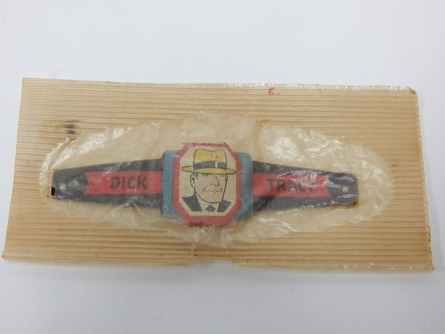 DICK TRACY RING IN PACKAGE