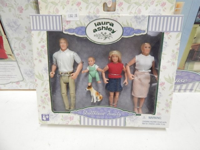 LAURA ASHLEY DOLL HOUSE - 2