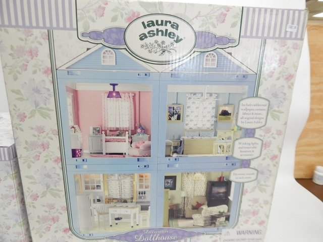 LAURA ASHLEY DOLL HOUSE - 4