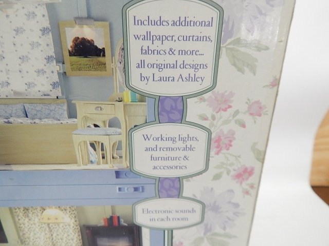 LAURA ASHLEY DOLL HOUSE - 5
