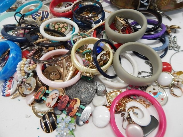 LARGE LOT OF JEWELRY - 2