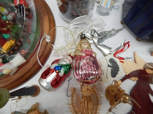 LARGE LOT OF CHRISTMAS DECORATIONS - 5