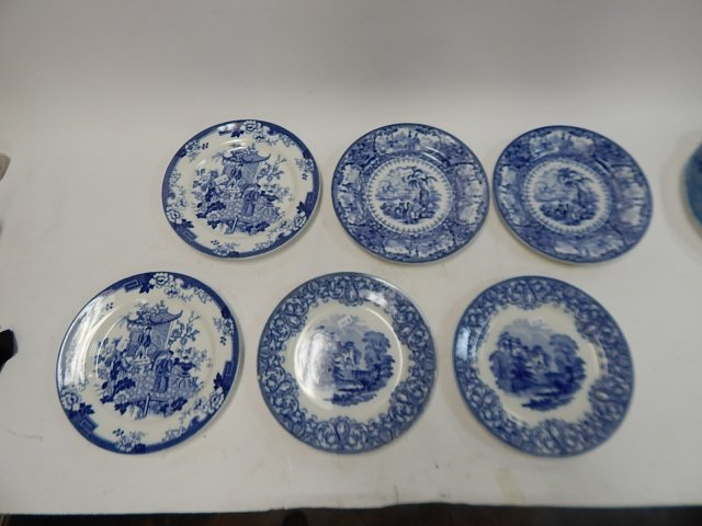 COLLECTION OF ROYAL COULDON ENGLAND PLATES