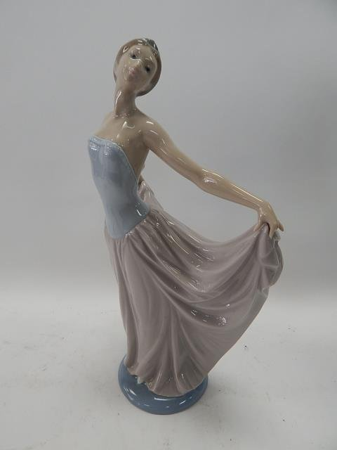LLADRO, DANCER