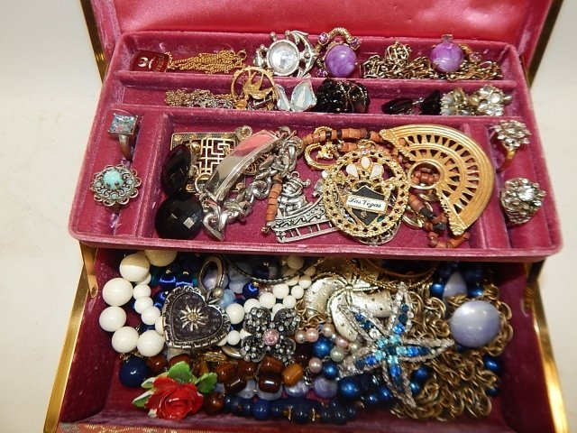 JEWELRY BOX WITH CONTENTS - 3