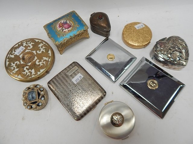 LOT OF COMPACTS