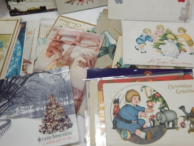 LARGE LOT OF POSTCARDS - 8
