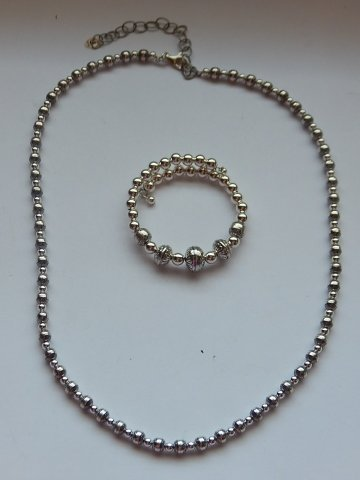 STERLING SILVER NECKLACE AND BRACELET