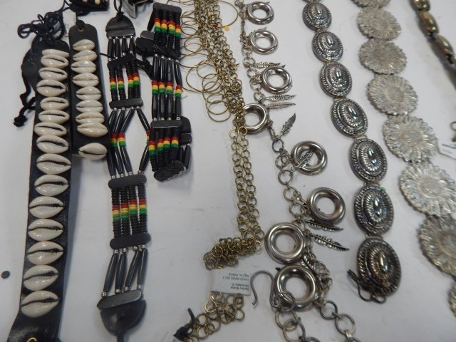 LOT OF BELTS AND NECKLACES - 3
