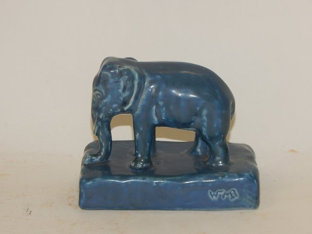 ROOKWOOD ELEPHANT PAPER WEIGHT