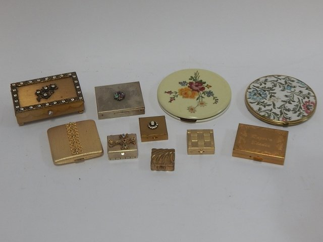 LOT OF POWDER BOXES