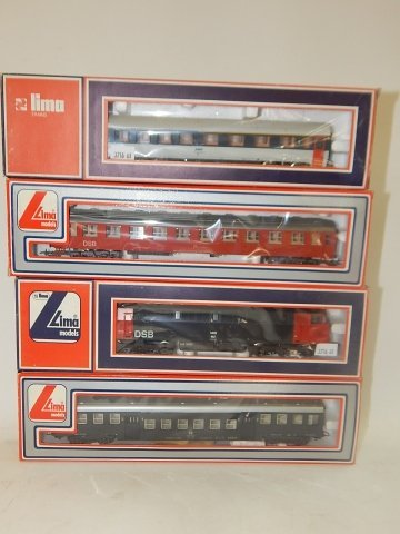 4 LIMA HO SCALE TRAIN CARS
