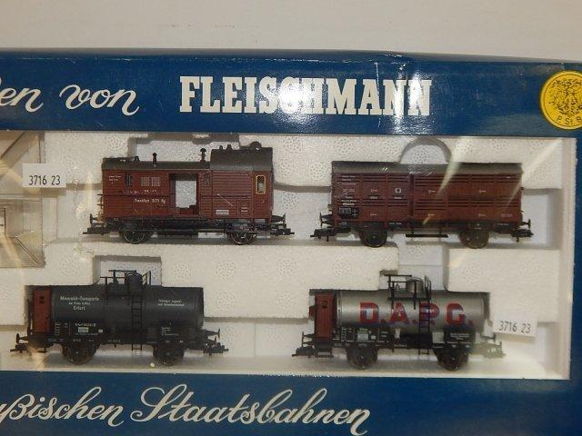 FLEISCHMANN HO TRAIN SET - 3