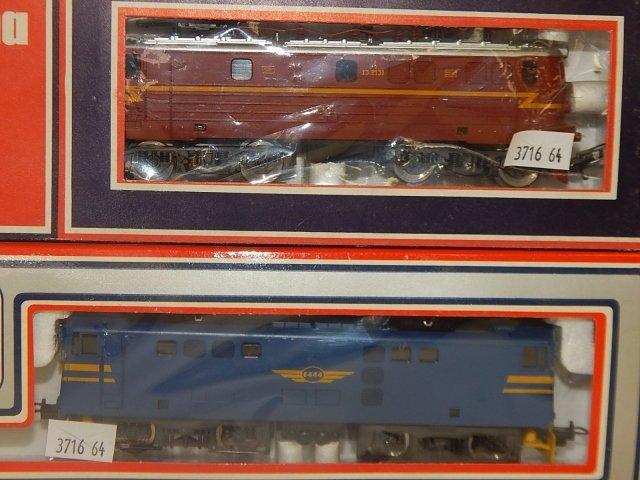 5 LIMA HO TRAIN CARS - 3
