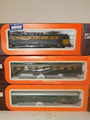 6 LIMA HO SCALE TRAIN CARS - 3