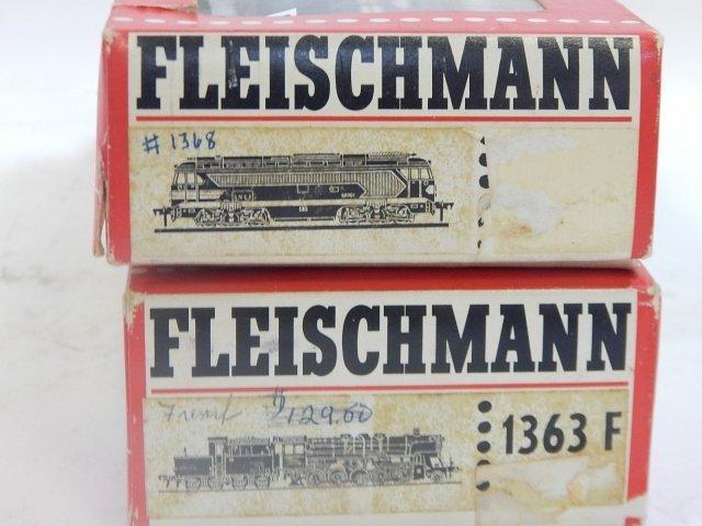 FLEISCHMANN HO TRAIN CARS - 2