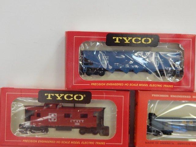 TYCO HO TRAIN CARS - 4