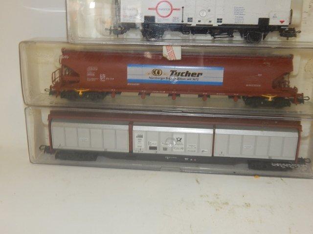 10 ELEC TRO TREN, HO SCALE TRAIN CARS - 2